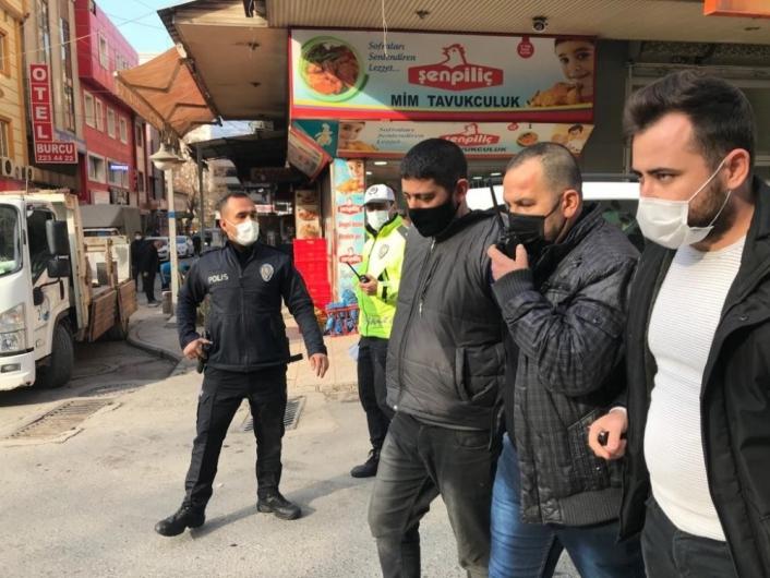 Cezaevi firarisini başkasının kimliğiyle polise yakalandı