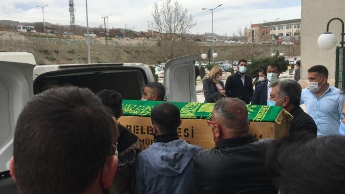 Cinayete kurban giden Emine´nin cenazesi ailesinin gözyaşları arasında morgdan alındı
