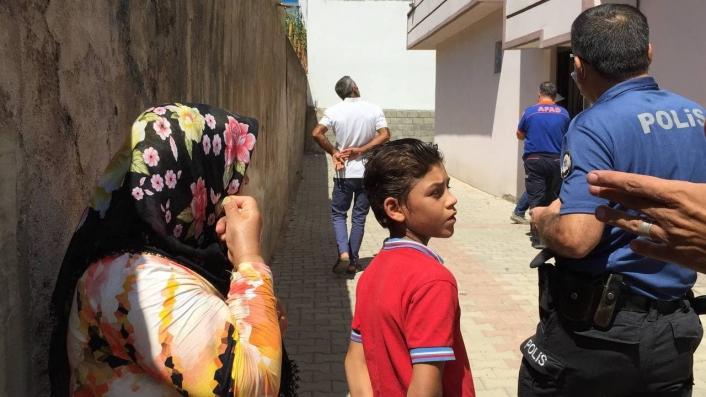 Çocukların maytap oyunu bina sakinlerini korkuttu