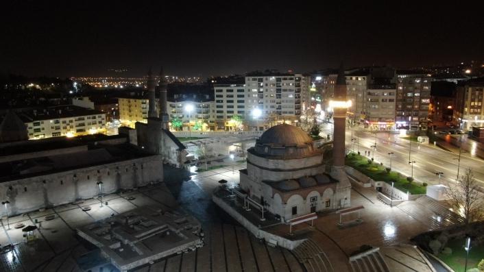 Covid-19 engeline takılan 5 asırlık gelenek minarelerden sürdürülüyor