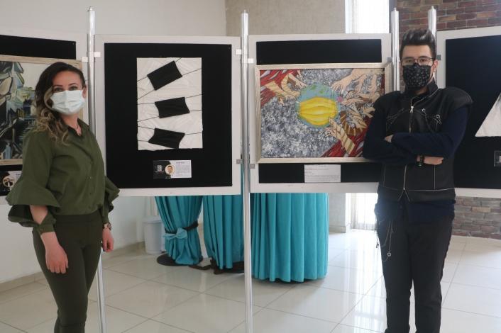Covid-19´un simgesi maskeler sanatçıların tablolarında yer aldı