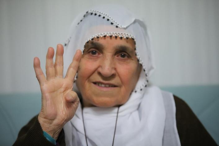 Cumhurbaşkanı Erdoğan´a sevgisiyle dikkat çeken Rabia nine, o anları anlattı