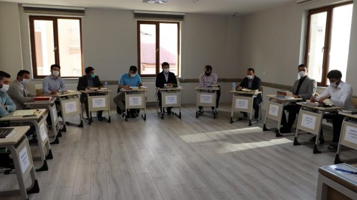 Din görevlileri tashih-i huruf kursuna  başladı