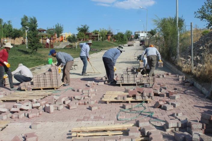 Ebu Sadık Parkı baştan sona yenilendi