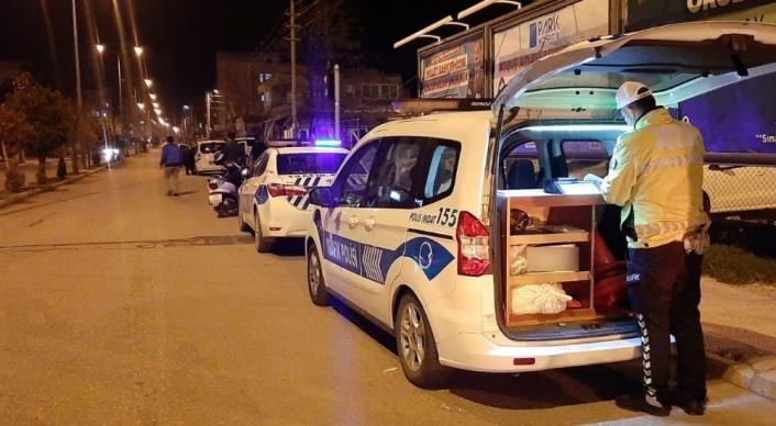 Ehliyetsiz ve alkollü sürücüler polisten kaçamadı