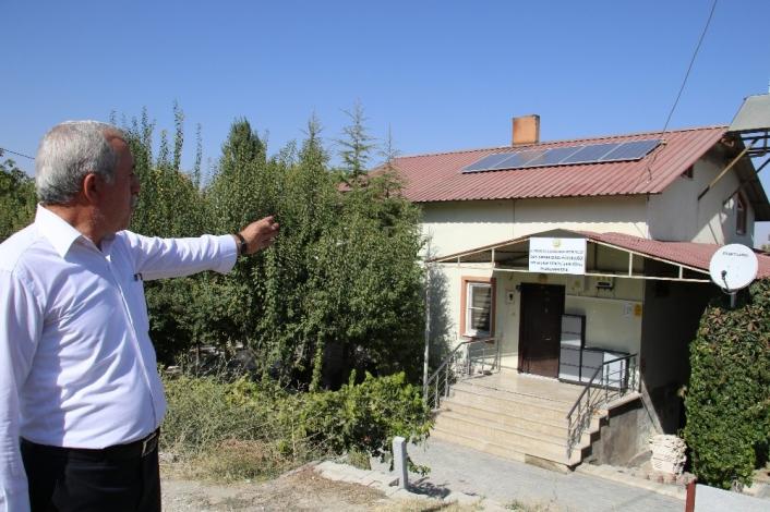 Elazığ´da 2 köyde çatılara kuruldu, artık kendi elektriklerini üretecekler