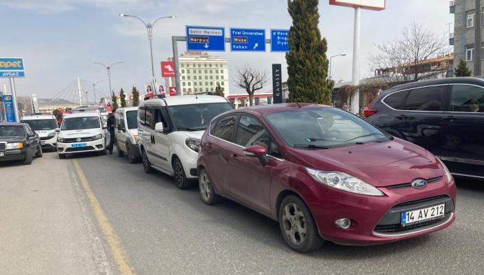 Elazığ´da 3 aracın karıştığı kazada 1 kişi yaralandı