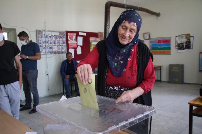 Elazığ´da 8 köy, 1 mahallede seçim heyecanı