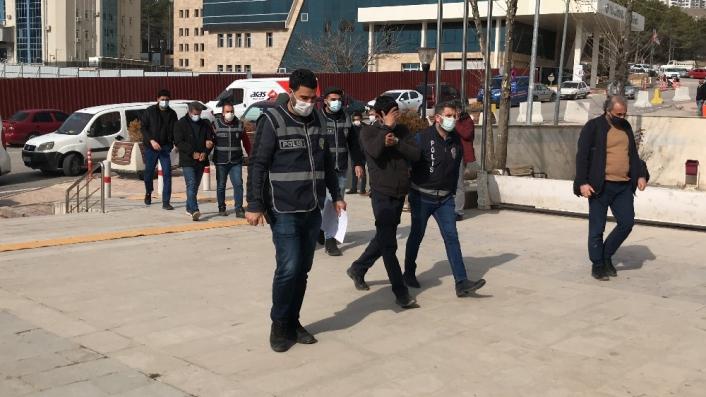 Elazığ´da aranan 3 şüpheli yakalanıp tutuklandı