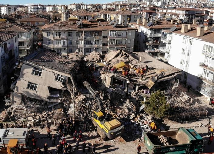 Elazığ´da depreminde 14 kişinin öldüğü Dilek Sitesi ile ilgili 23 şüpheli hakkında dava açıldı