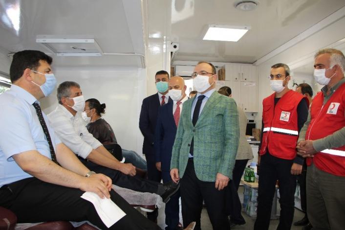 Elazığ´da gönüllü  din görevlileri kan bağışında bulundu