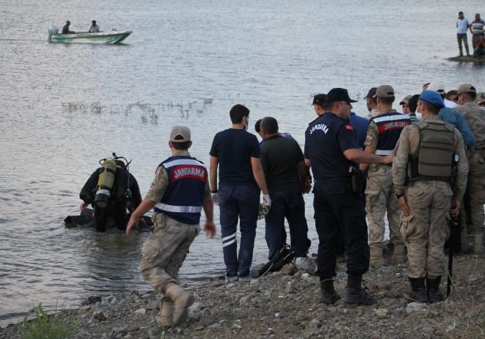Elazığ´da kahreden haber: Suda kaybolan 2´nci arkadaşın da cansız bedenine ulaşıldı