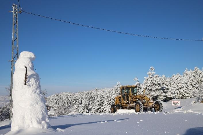Elazığ´da kar nedeniyle 198 köy yolu kapandı