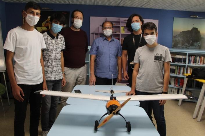 Elazığ´da öğrenciler ürettikleri drone ile birinciliği hedefliyor