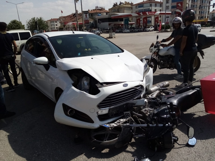 Elazığ´da otomobilin çarptığı motosiklet sürücüsü ağır yaralandı