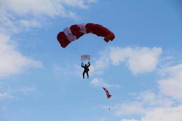 Elazığ´da SkyFest etkinliği renkli görüntüler oluşturdu