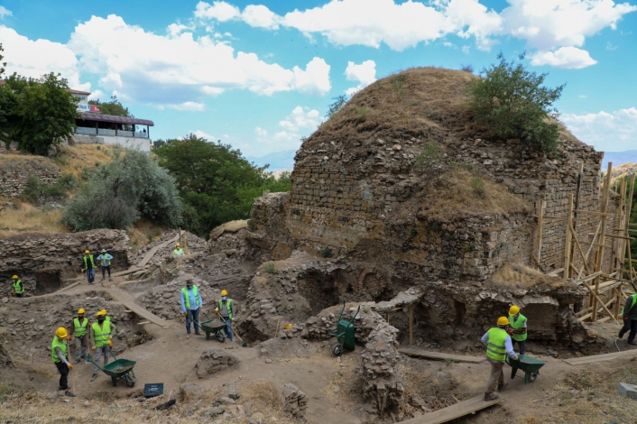 Elazığ´da tarihi hamamda restorasyon çalışmaları başladı