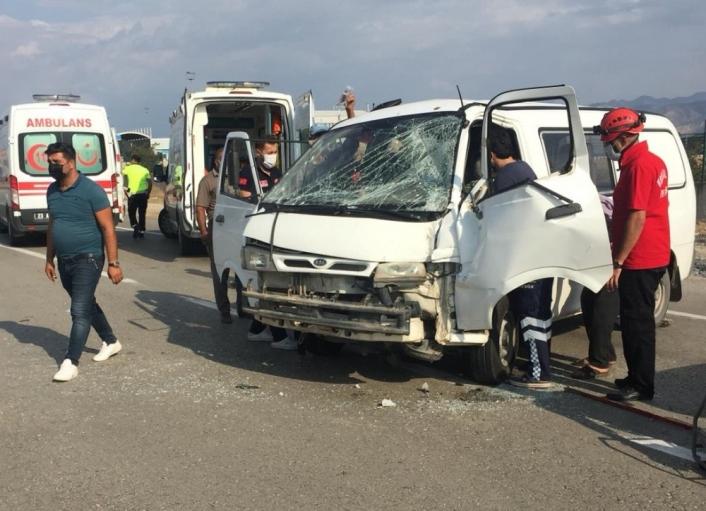 Elazığ´da trafik kazası:2 yaralı