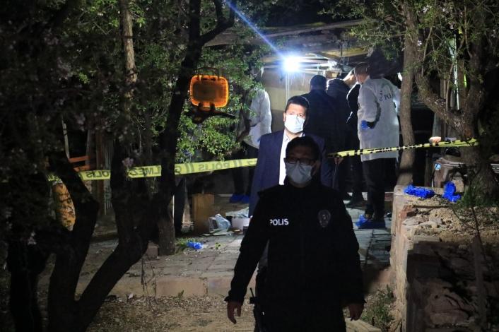 Elazığ´da vahşet! Genç kadın barakada sevgilisi tarafından öldürüldü