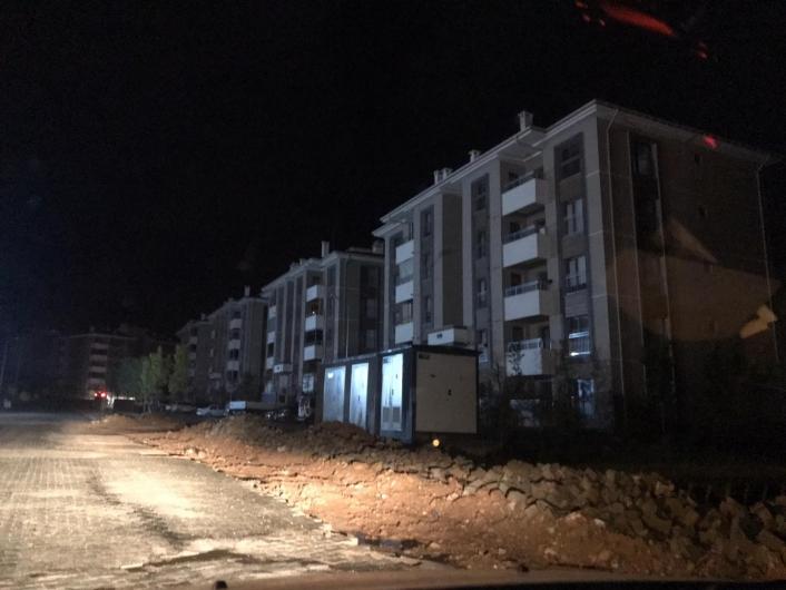 Elazığ´da yıldırım elektrik direğine isabet etti, il genelinde elektrikler kesildi
