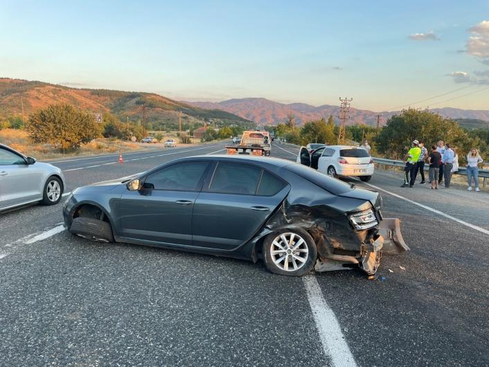 Elazığ´da zincirleme trafik kazası: 2 yaralı