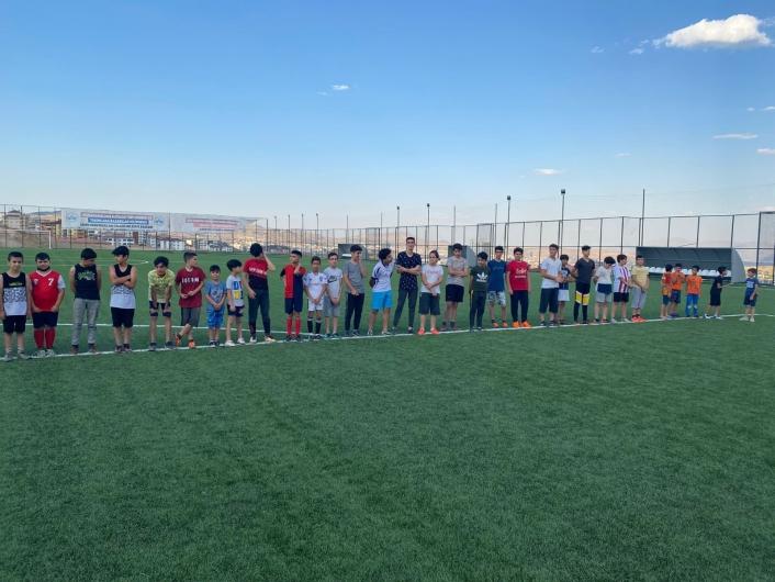 Elazığ´daki yaz spor okulları gençlerin yüzünü güldürüyor