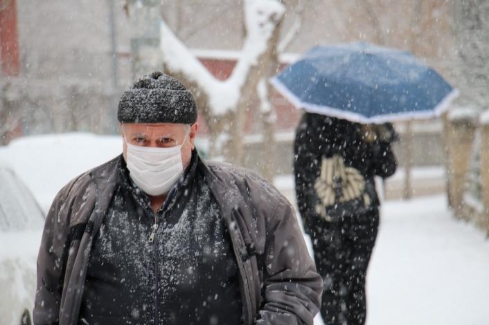 Elazığ kar yağışı ile beyaza büründü, eğitime ara, engelli ve hamilelere izin verildi