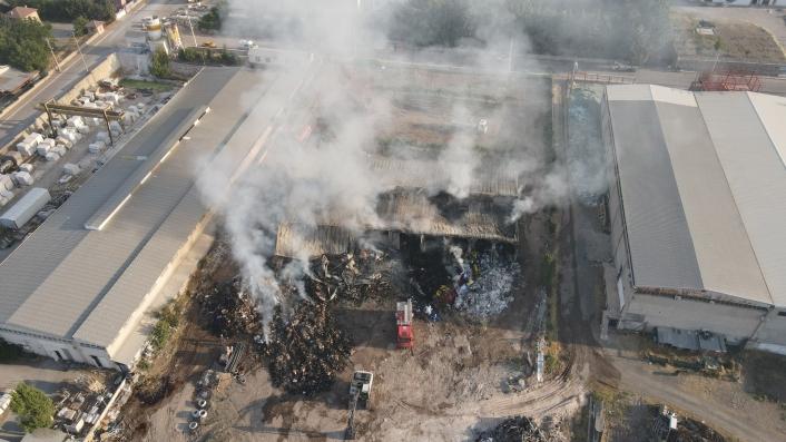 Elazığ OSB´deki tesis yangını 8 saatin sonunda söndürüldü, soğutma çalışmalarına başlandı