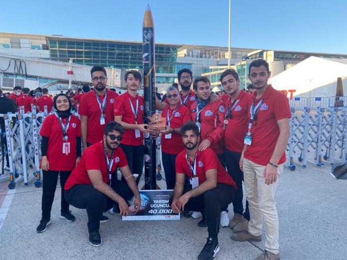 Elazığ takımından Teknofest´te önemli başarı: Yüksek irtifa kategorisinde Türkiye üçüncülüğü elde ettiler