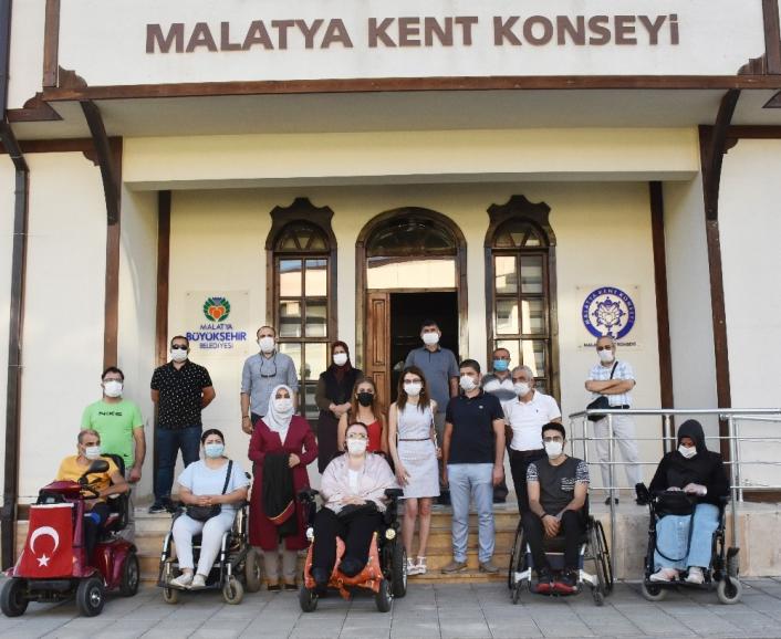 Engellilerin adını kullanarak yardım toplayanlar hakkında suç duyurusu