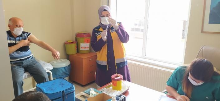 Gemerek Devlet Hastanesinde Biontech Aşıları  Uygulanmaya Başlandı