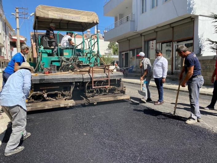 Gölbaşı´nda asfaltlama çalışmaları devam ediyor