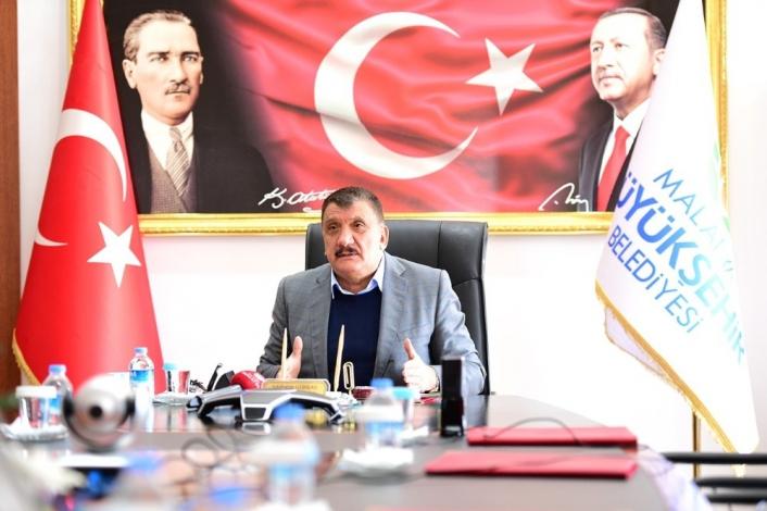 Gürkan, Malatyalı iş adamlarına hizmet ve yatırımları anlattı