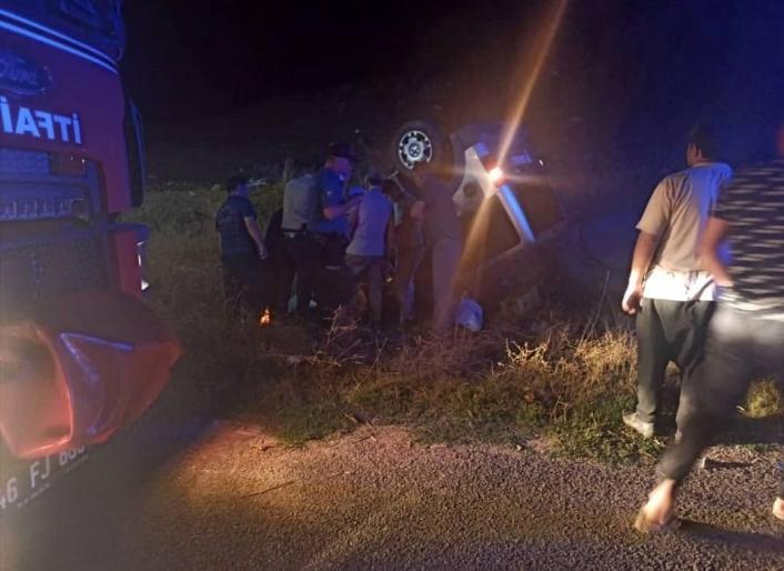 İneğe çarpan otomobil takla attı: 1 ölü, 1 yaralı