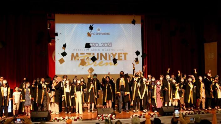 İnönü Üniversitesi´nde mezuniyet coşkusu