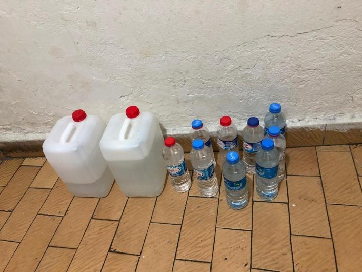 İş yerinde 10 litre sahte içki ele geçirildi, gözaltına alındı
