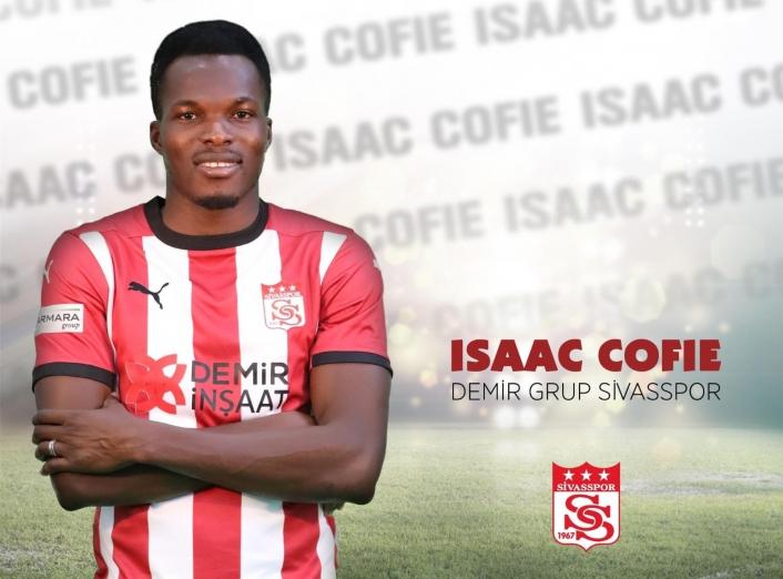 Issac Cofie 2 yıl daha Sivasspor´da