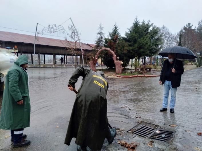 İtfaiye ekiplerinden su baskınlarına karşı yoğun mesai