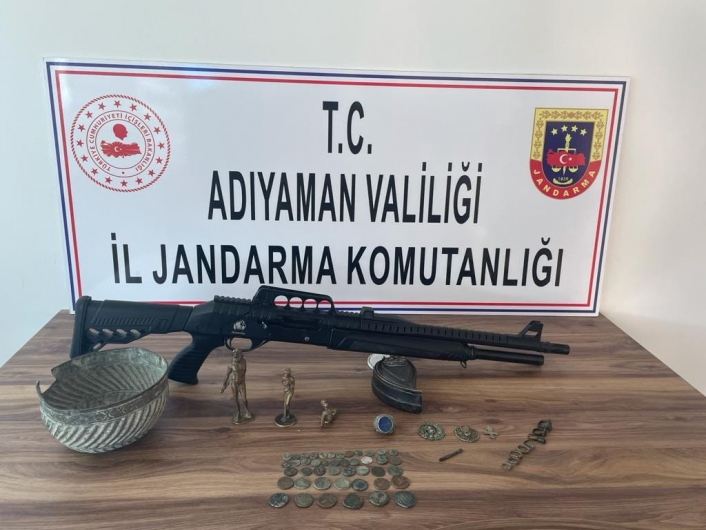 Jandarma Adıyaman´da çok sayıda tarihi eser ele geçirdi