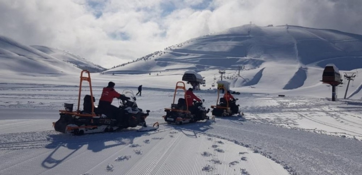 Jandarma karlı dağlarda göreve başladı