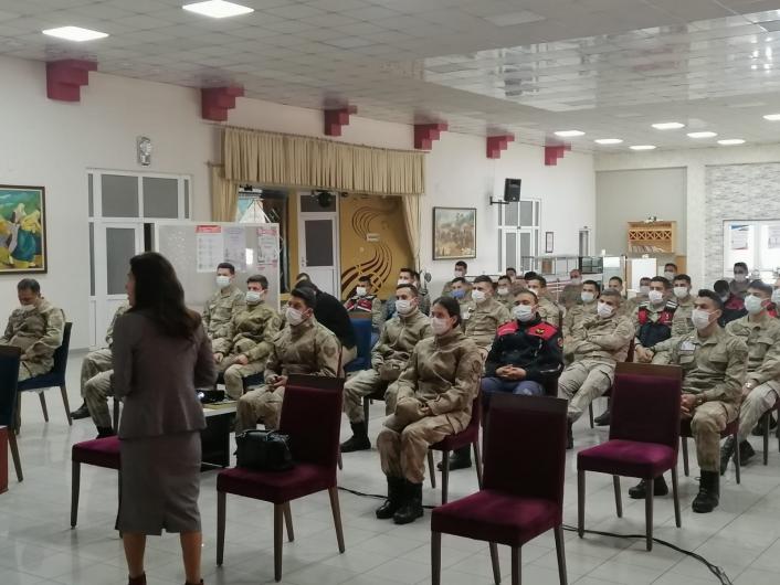 Jandarma personellerine KADES eğitimi verildi