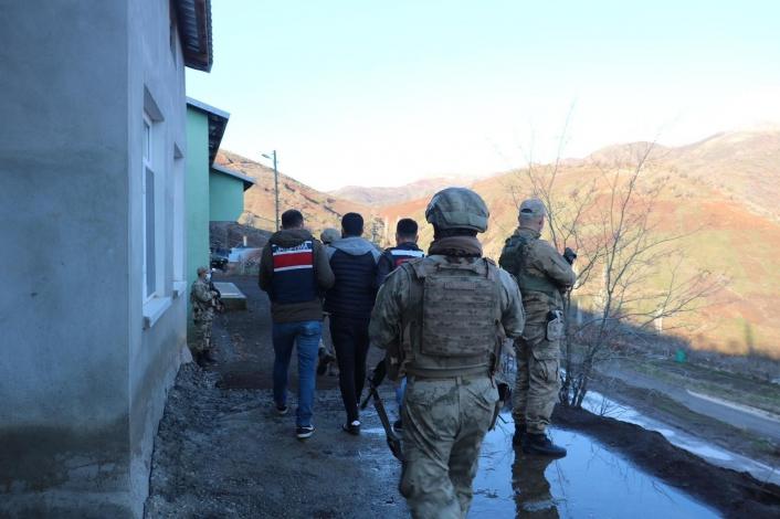 Jandarma ve Emniyetten PKK´ya ortak operasyon