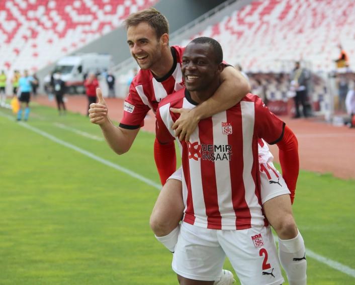 Jorge Felix, gol sayısını 2´ye yükseltti