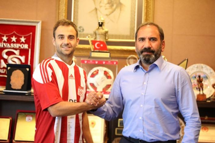 Jorge Felix Sivasspor´a imzayı attı
