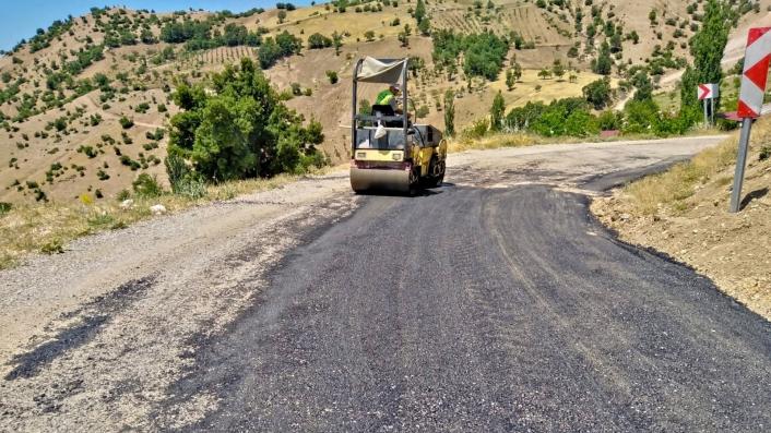 Kahramanmaraş´ta 3 ilçede 50 kilometrelik yol yenilendi