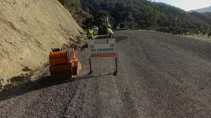 Kahramanmaraş´ta 5 mahallede yol bakım onarım çalışması yapılıyor