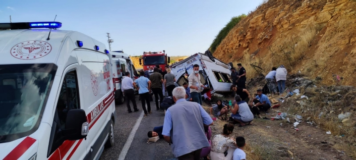 Kahramanmaraş´ta düğün yolunda kaza: 13 yaralı
