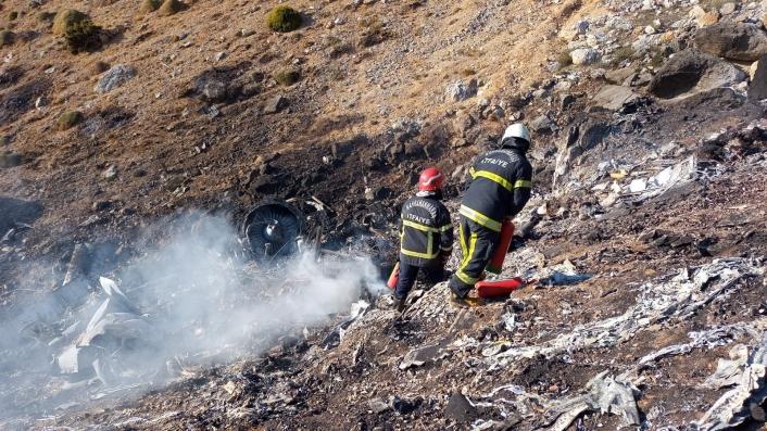 Kahramanmaraş´ta uçak kazasında ekiplerin çalışmaları sürüyor