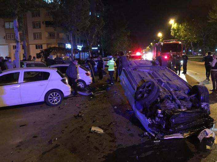 Kahramanmaraş´ta zincirleme kaza: 2 yaralı