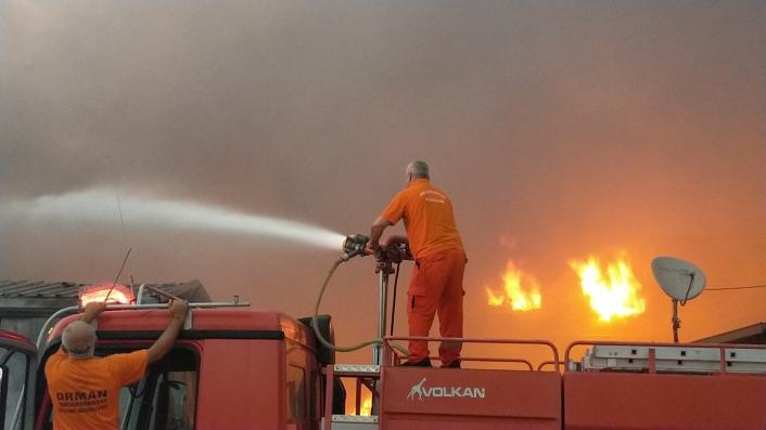 Kahramanmaraş´taki fabrika yangını kontrol altına alındı